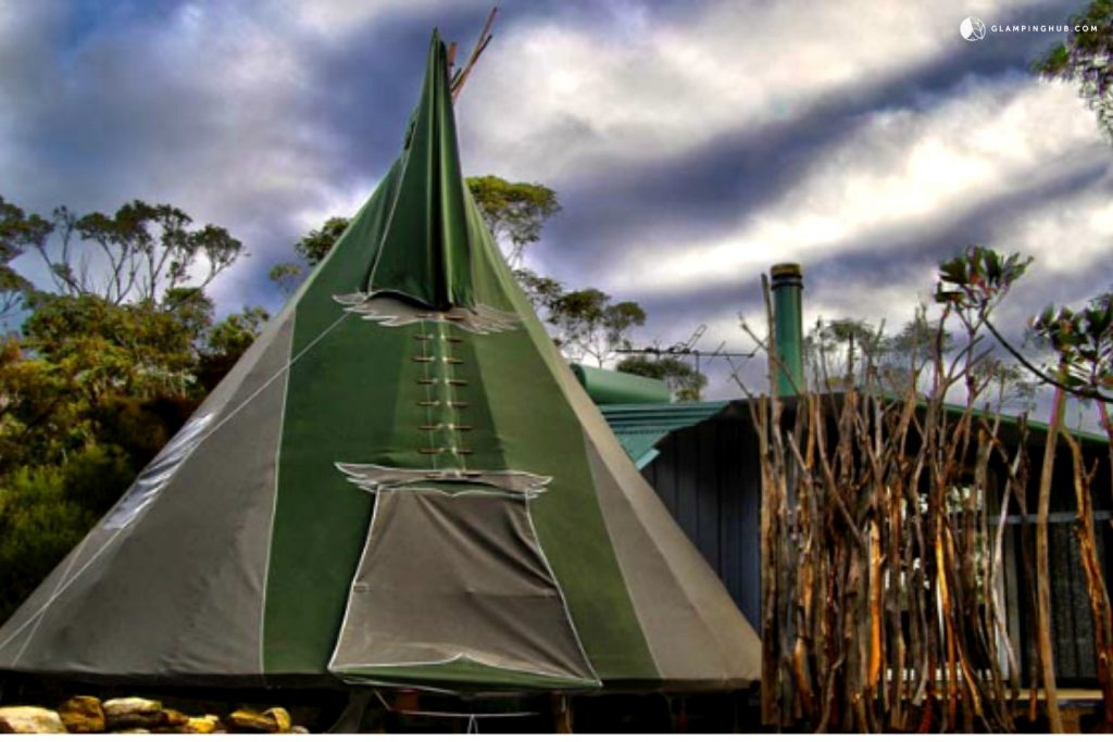 Romantic Couples Tipi Nestled in the Blue Mountains, Australia - Glamping Hub